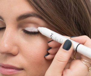 Utilizzare un Bianca Eyeliner Matita